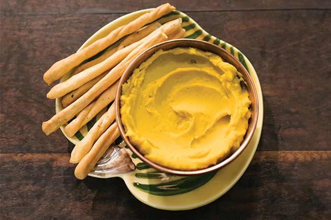 Tem tahine dando sopa na cozinha? Misture com abóbora cozida e prepare uma versão mais suave de homus. É aperitivo saudável e nada comum.