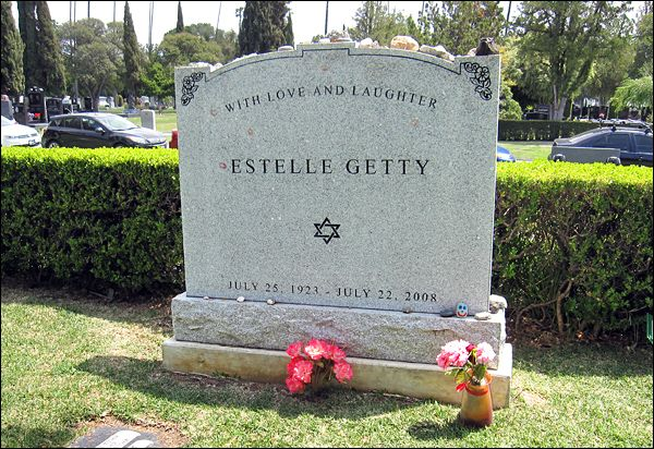 "THE GRAVE OF ESTELLE GETTY  (star of ""The Golden Girls"")"