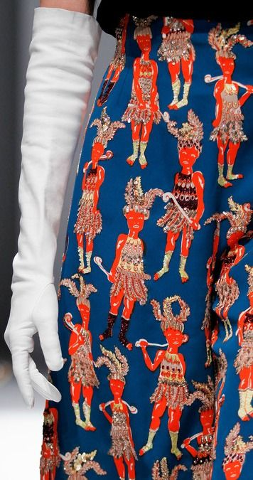 ..DETAILS:  SPRING 2014 COUTURE Schiaparelli