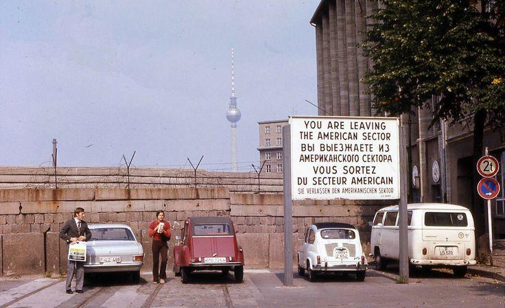 Parken direkt an der Mauer, 1972