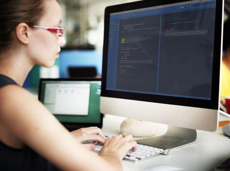 Entwicklerinnen rekrutieren: So gewinnen Unternehmen weibliche IT-Spezialisten #Jobsuche_Recruiting #Berufsbild_IT #Employer_Branding_Recruiting_Personalwesen_HR #Frauen_Gender_Emanzipation #Jobbörsen_Jobmessen_Stellenanzeigen #Jobinterview_Vorstellungsgespräch_AssessmentCenter #Job #Application #Jobhunting #Career #CV  - Frauen in der IT Branche sind selten, doch sehr begehrt: Unterschiedlich zusammengesetzte Teams generieren andere Ideen und Gleichberechtigung gehört 201