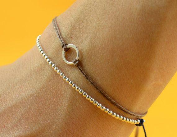 Sterling Silver beaded friendship bracelet por zzaval en Etsy