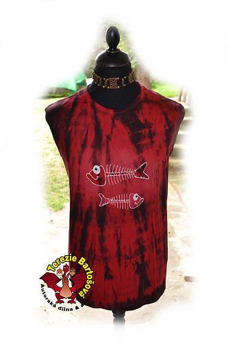 TRIKO NA RYBY PRO PÁNY Velikosti: S, M, L, XL, XXL,3XL Barva:červeno-černá Technika: ruční zpracování batika+kresba Složení: 100% bavlna Střih: klasický krátký rukáv MOŽNOSTI OBJEDNÁNÍ VOLITELNÝCH VELIKOSTÍ
