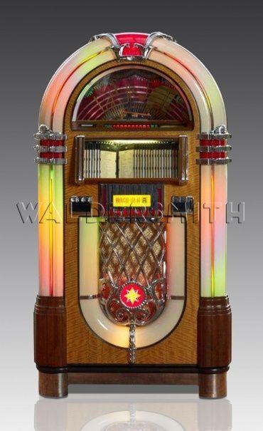 Rock-Ola Bubbler CD Jukebox - Walnut