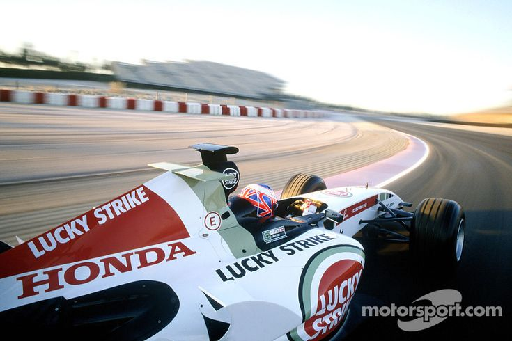 Heli-cam shot of Jenson Button testing the new BAR Honda 007