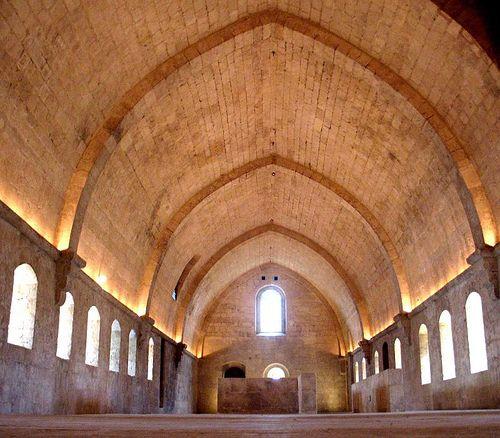 Intérieur de L'Abbaye de Silvacane ,  La Roque d'Antheron, Bouches-du-Rhône