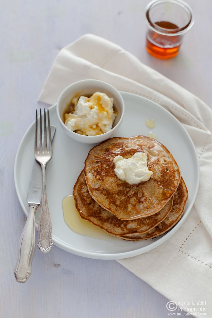 What's For Lunch Honey? | Experience Your Senses: Almond Vanilla Pancakes with Cinnamon Bananas