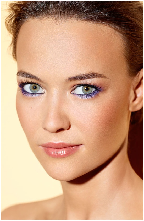 purple eyeliner.