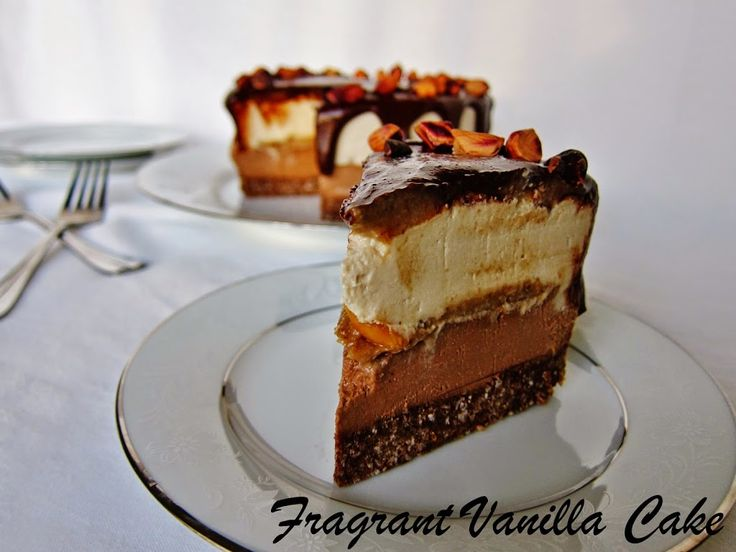 Raw Snickers Cheesecake | Fragrant Vanilla Cake