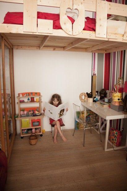 Rinconcito de lectura para los peques :) http://www.decoratualma.blogspot.com.es/2013/11/con-personalidad-propia.html