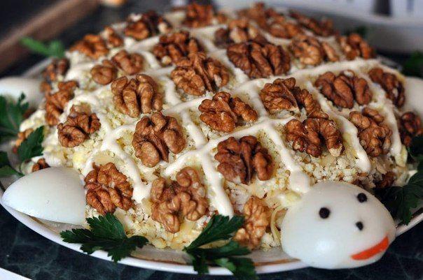 """Куриный салат с грецкими орехами """"Черепаха""""   Про рецептики - лучшие кулинарные рецепты для Вас!"""