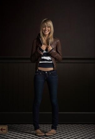 Hollister Look. Love the jacket