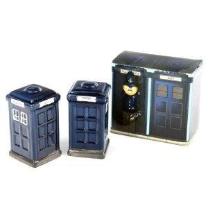 Tardis salt & pepper shakers: Boxes Ceramics, Tardis Salts, Peppers Can, Ceramics Salts, Peppers Shakers, Police Boxes, Tardis Doctors, Doctors Who, Dr. Who