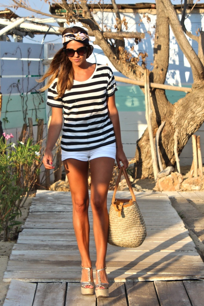 Craving this look right now. Ugh, shorts and a tan?! Yessss please!