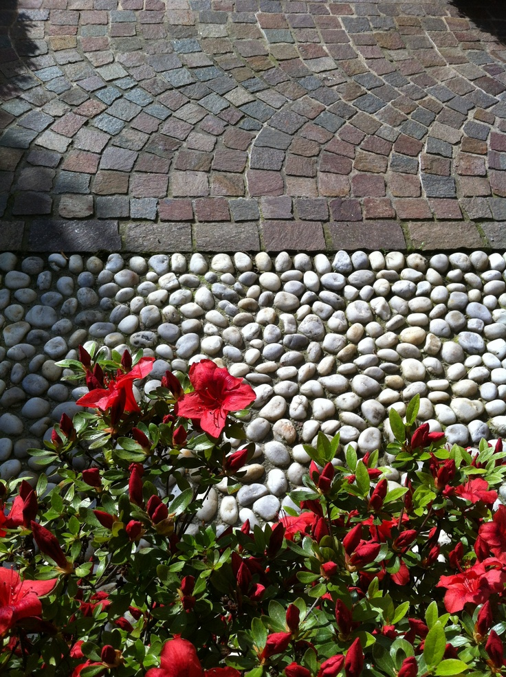 white pebbles and cubes