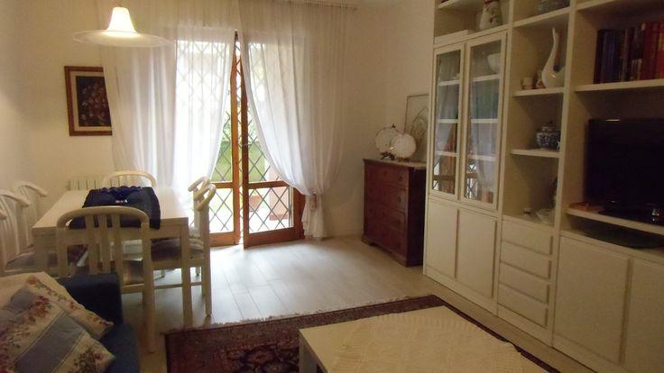 #appartamentoalFortedeiMarmi  con giardino e veranda per pranzi all'aperto , 4 posti letto