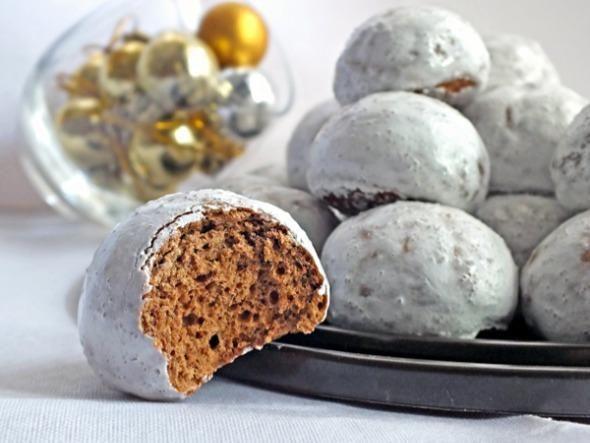 Gingerbread cake bombs with glaze (Sahara is sugar)