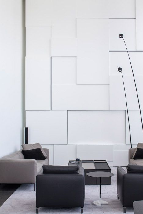 Square Compositions Penthouse by Pitsou Kedem Architects