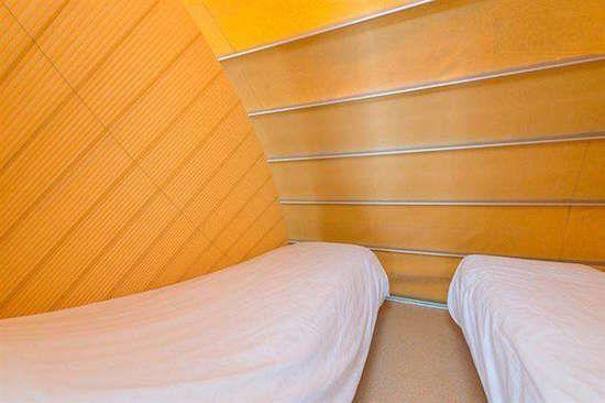 Chambre dans la caravane pliante de luxe