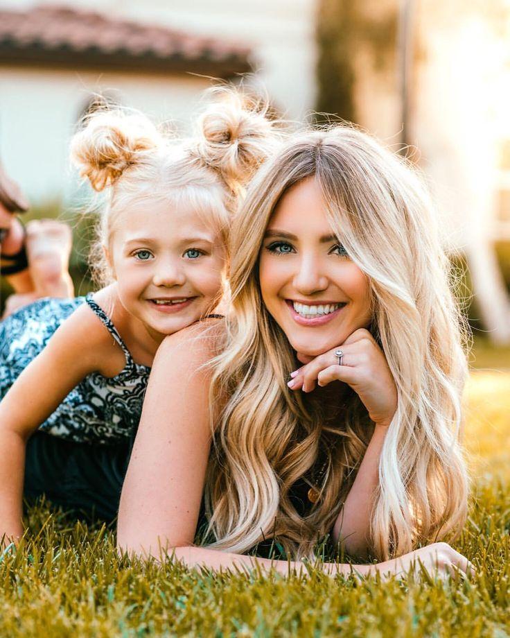 Картинки мама и две доченьки
