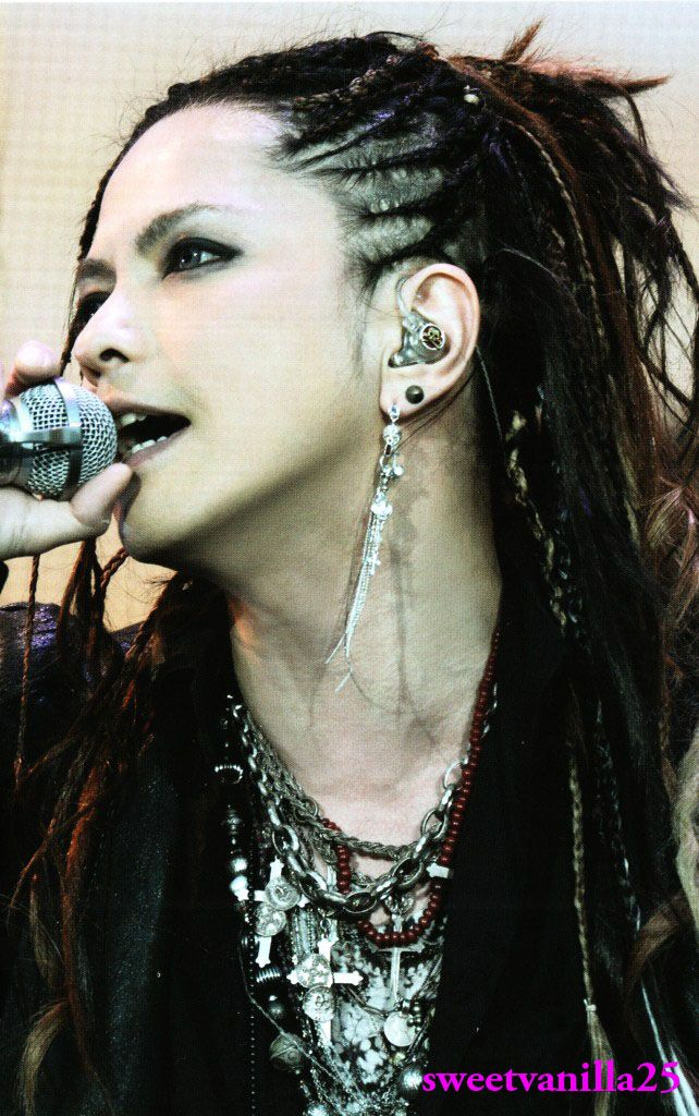 One of my favorite Hyde's styles!