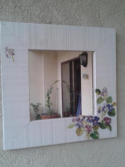 Espejo decorativo espejo blanco imagen deseada decoupage for Espejos decorativos blancos
