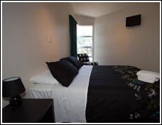 Haka Lodge Queenstown. Their private rooms with shared bathrooms.