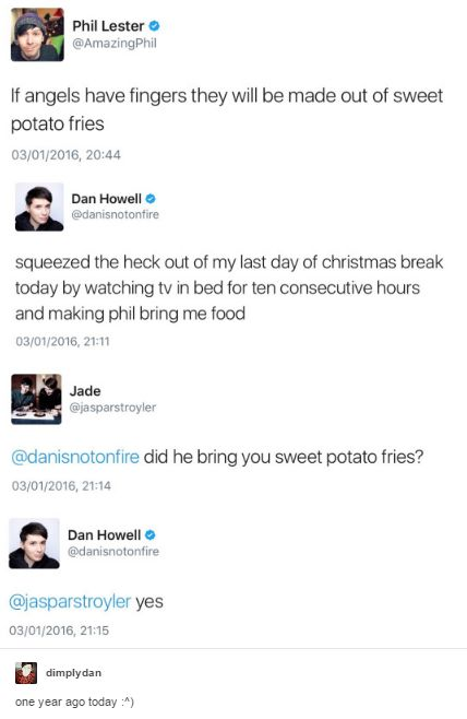 But dan doesn't have a tv in his room, he was watching tv in Phil's bed !!!