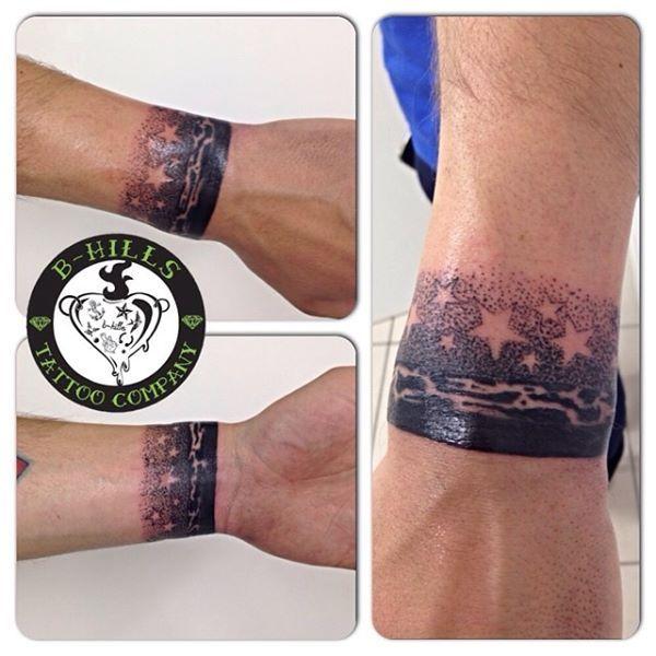 #dotworkbracelet #dotworktattoo #tattoo #ink #art #dotwork #stars #blacktattoo #ladyoktopus #tattooartist #bhillstattoo