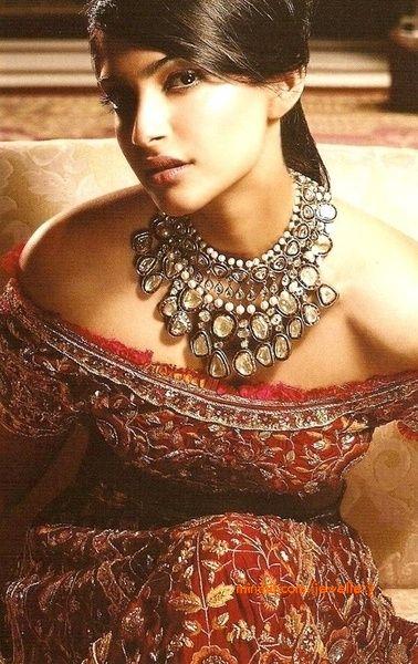 sonam-kapoor-kundan-necklace