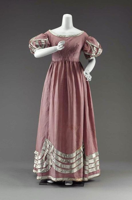 A mauve-ish evening dress with beautifully constructed sleeves, 1815-1820.