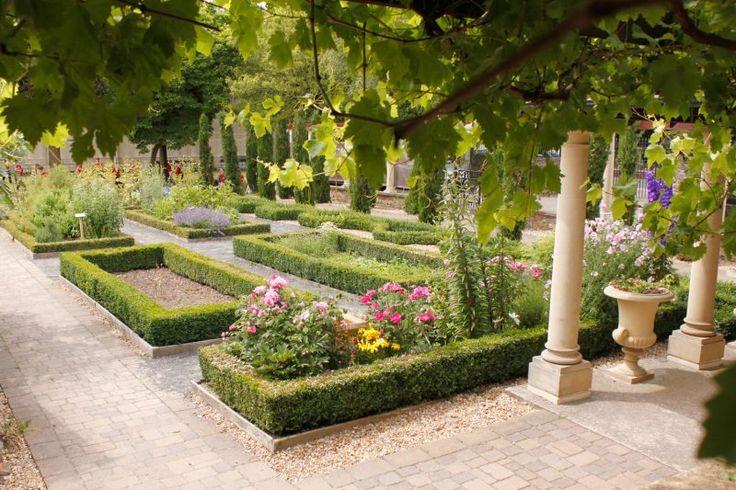 Roman Garden | National Roman Legion Museum