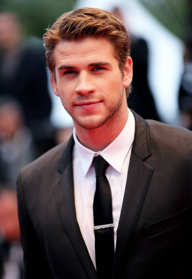 Look no further. | Gentlepeople Of The World, Liam Hemsworth Is Single And Ready To Mingle
