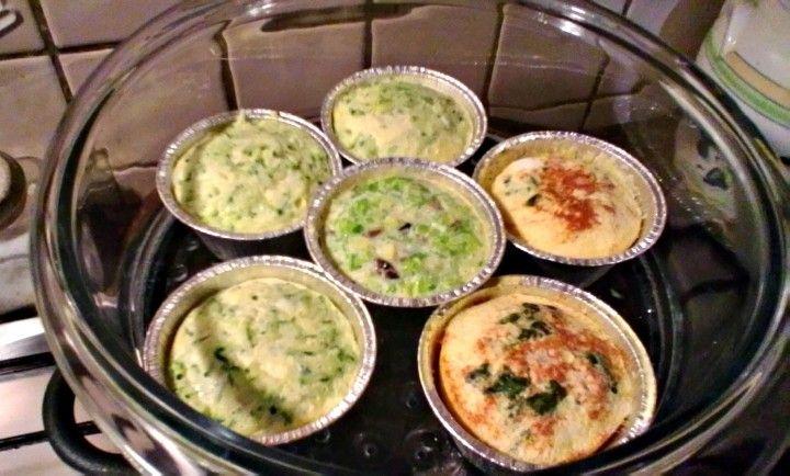 Tris di flan: flan ai gamberetti, flan alle zucchine e flan porri, acciughe e olive. Trova tutte le ricette sul nostro blog!