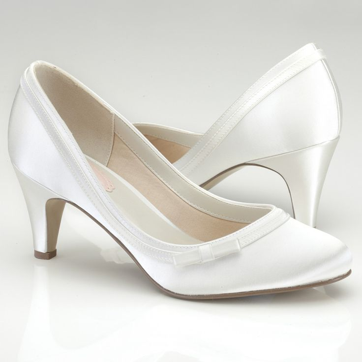 Nice low heel wedding shoes