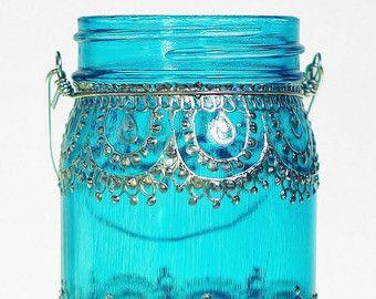 Articoli simili a Matrimonio bohemien appeso lanterna, Reception Decor, barattolo di vetro con vetro verde acqua con dettagli in oro del hennè su Etsy