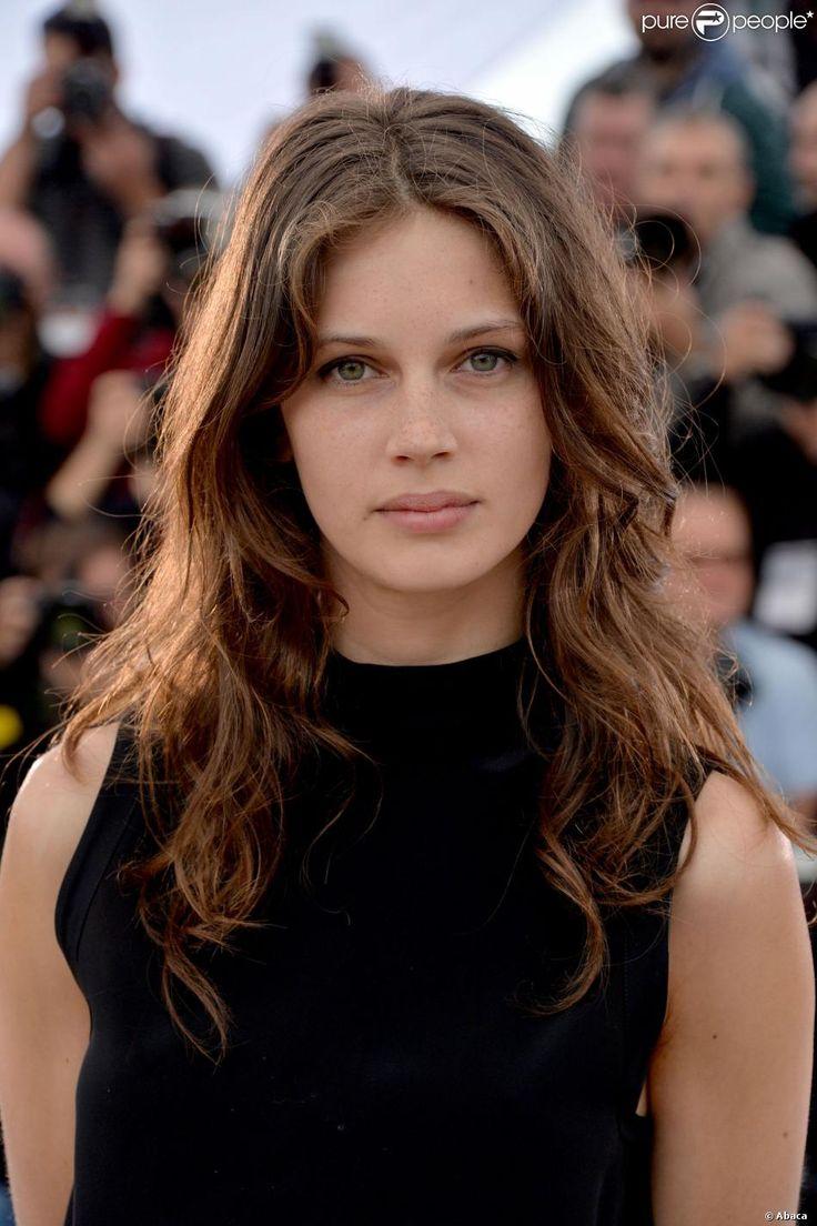 Marine Vacth lors du photocall du film Jeune et jolie lors du Festival de Cannes 2013