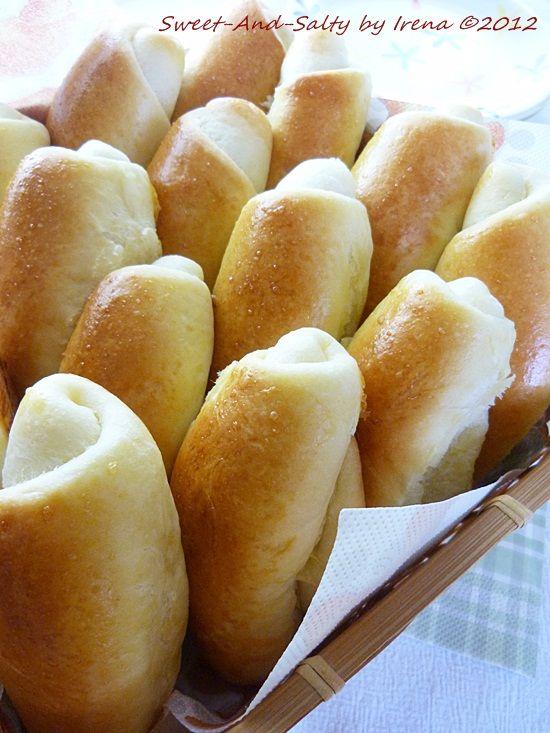 sweet-and-salty: Pekarske kifle / Baker's Rolls