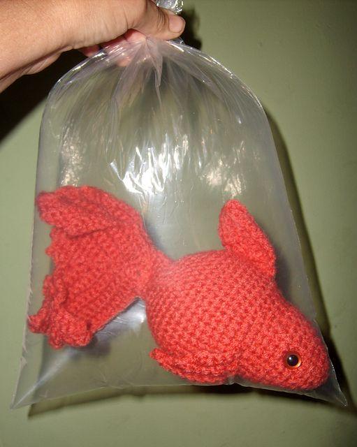 Free Amigurumi Halloween Crochet Patterns : Tuto gratuit Crochet Pinterest Goldfish, Amigurumi ...