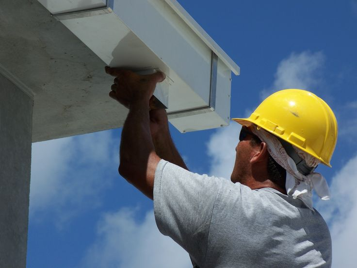 See here the significant tips to hire roofers for commercial #roofing http://bit.ly/hiringroofingcontractor