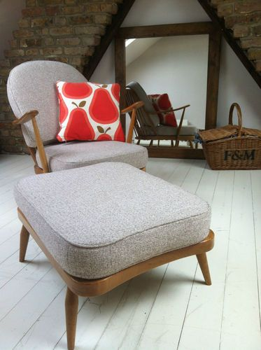 Ercol Chair and Foot Stool http://decdesignecasa.blogspot.it