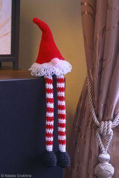 Dwarf crocheted santa. Inspiration only.