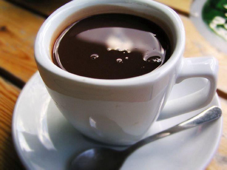 Come fare una cioccolata calda perfetta http://www.lovecooking.it/i-consigli-della-nonna/come-fare-una-cioccolata-calda-perfetta/