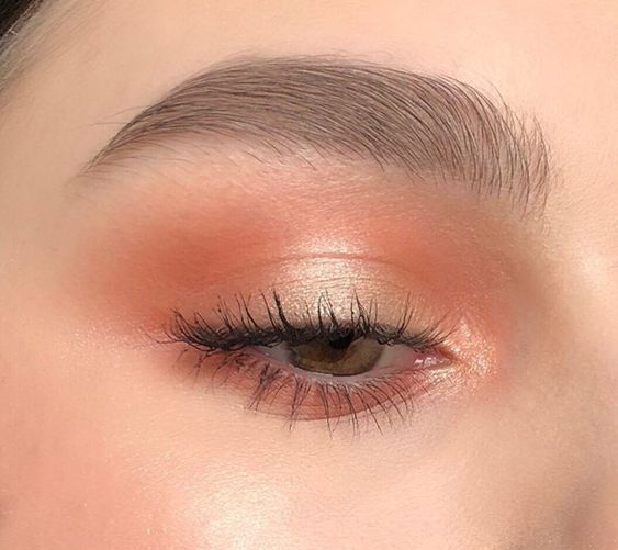 Gorgeous orange makeup look to try