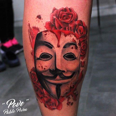 V DE VENDETTA #povetattoo #veneno_irons_original #malagatattoo #malaga #tattoo #tatuaje #tattoos #vdevendetta #vendetta #realismo #realism #realistictattoo #roses #rosas #blackandgrey #girltattoo #guytattoo #inkedgirl #inkedman #inked #ink #tattoolife #tattooshop #tattoostudio #tattooart