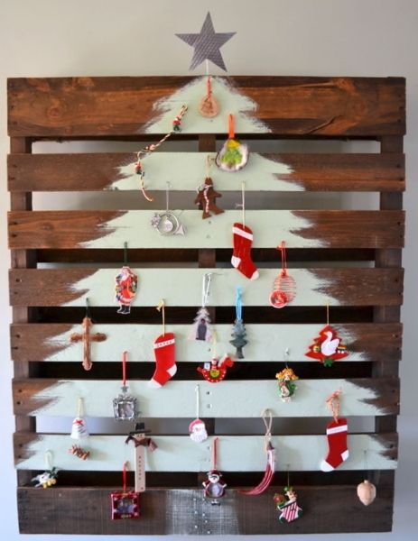 Christmas Wall Decorations in the Form of a Christmas Tree