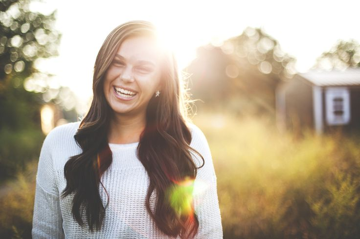 I love shooting senior pics in the fall - gorgeous light & colors. Xx