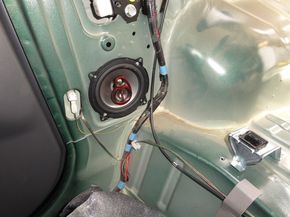 Jimny rear speakers