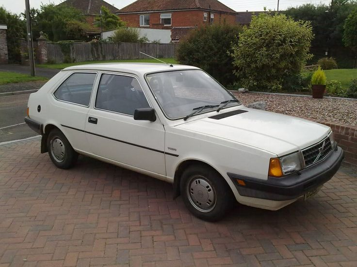 Volvo 340 DL .. It was white .. It took about 4 days to get to 60 mph