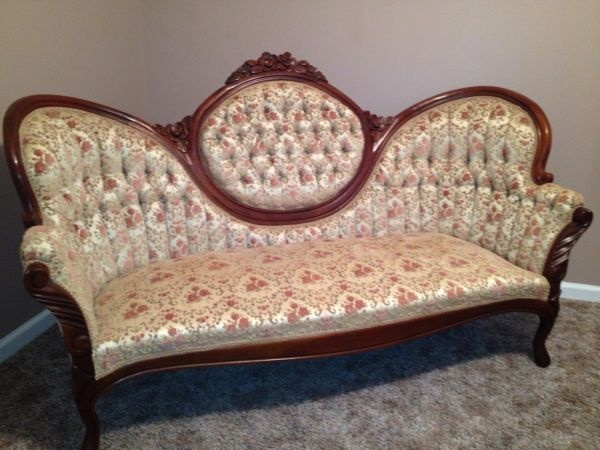 Victorian sofa queen anne style home decor pinterest - Queen anne style living room furniture ...